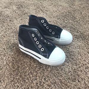 Baby boy's sneaker, size 5
